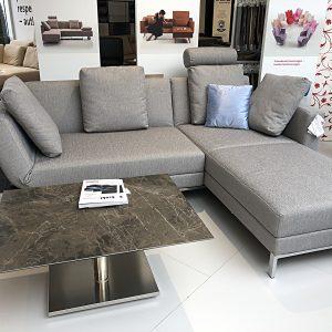 Abbildung Four-Two Sofa der Marke brühl